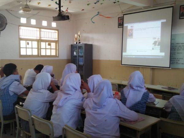 Ruang Belajar Representatif (dilengkapi LCD Projector)